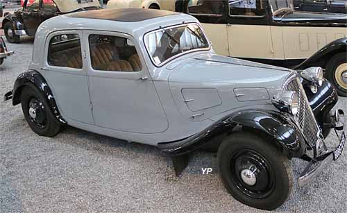 citro n 7a traction avant guide automobiles anciennes. Black Bedroom Furniture Sets. Home Design Ideas