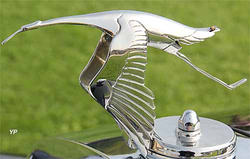 Mascotte cigogne Hispano Suiza (F. Bazin) (doc. Yalta Production)