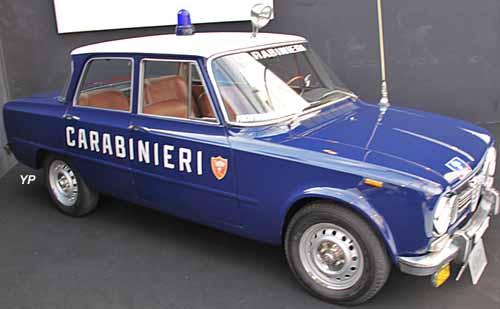 alfa romeo giulia 1300 super carabinieri guide automobiles anciennes. Black Bedroom Furniture Sets. Home Design Ideas