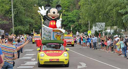 Journal de Mickey, caravane publicitaire du Tour de France 2016