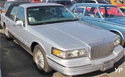Lincoln Town Car (II)