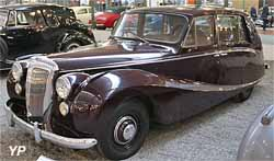 Daimler Regency DF 302
