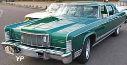 Lincoln Continental Town Car 1975
